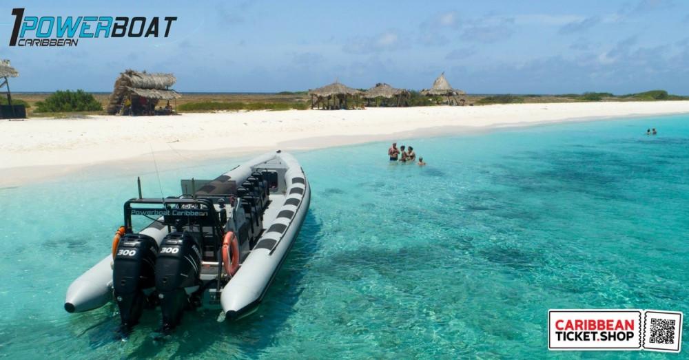 Powerboat to Klein Curaçao